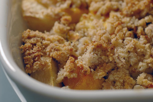 Crumble pommes mangues de Chocolate & Zucchini