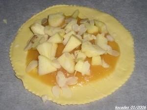 On met la compote et les pommes
