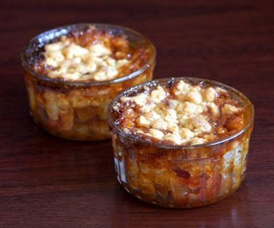 Crumble ananas caramélisé pomelos et noix de cajou sans oeufs