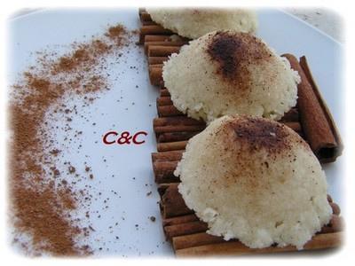 Mantecaos (Montecaos) oranais sucrés sans oeufs sans lait