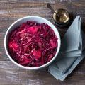 Chou rouge et pommes au wok ©olepeshkina shutterstock