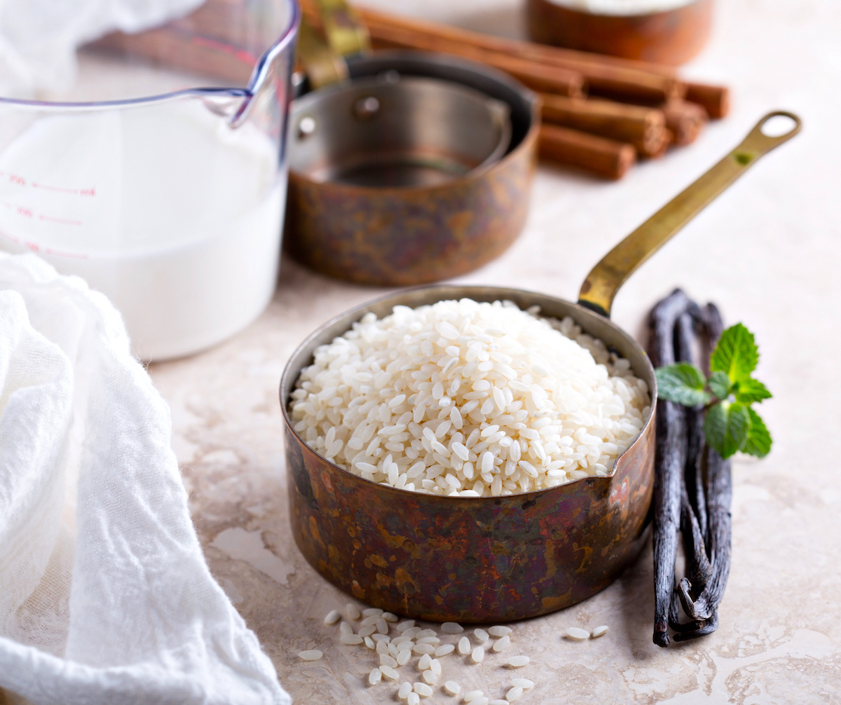 Ingrédients pour riz au lait ©Elena Veselova shutterstock