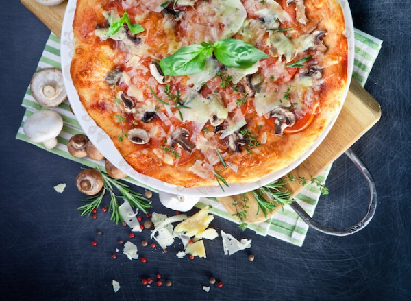 Pizza ©Alena Kazlouskaya shutterstock