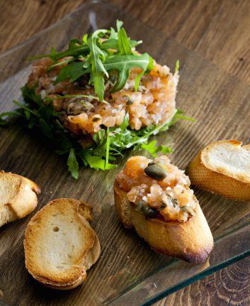 Tartare de saumon ©PHB.cz - Shutterstock