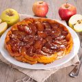 Tarte Tatin aux pommes © Margouillat Photo shutterstock