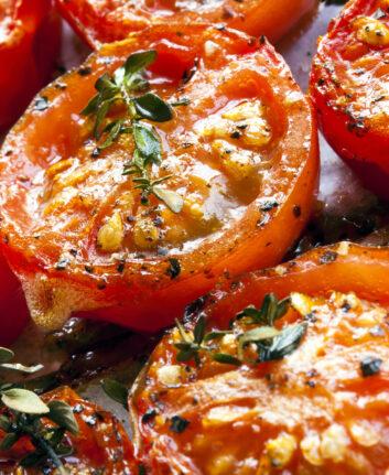 Tomates confites au four ©Robyn Mackenzie Shutterstock