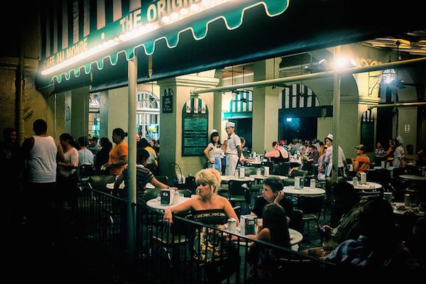 Café du Monde Nouvelle Orléans ©Clint Sharp CC BY-NC-SA 2.0