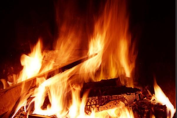 Feu de cheminée (c) asinquecualo licence CC BY-NC-ND 2.0