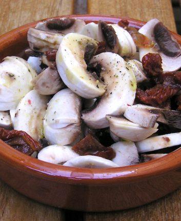 Salade de champignon et tomates séchées