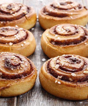 Petits pains suédois à la cannelle (c) Agnes Kantaruk shutterstock