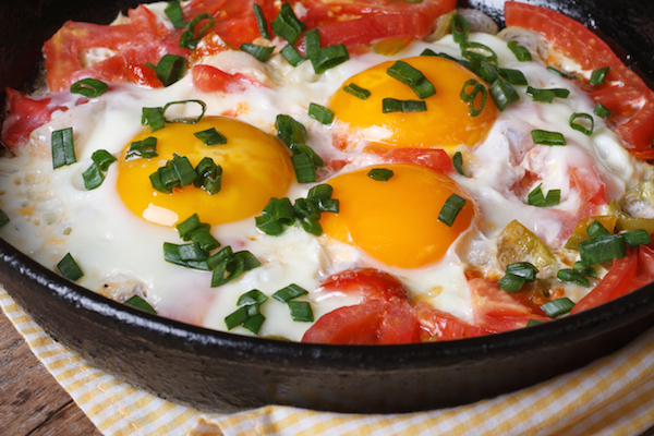 Tomates aux oeufs © FomaA - Shutterstock