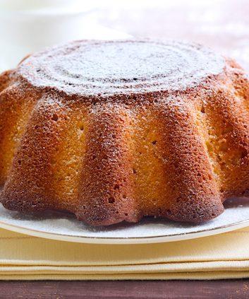 Gâteau au yaourt (c) MShev shutterstock