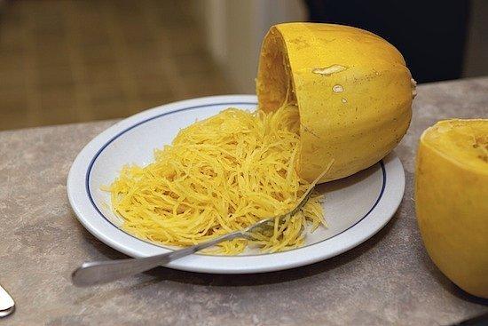 Courge spaghetti Paternité-Pas-dutilisation-commercialePas-de-modification-(c) ZlatkoUnger