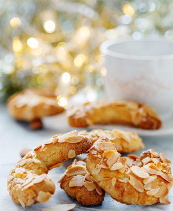 Croissants aux amandes ©SMarina shutterstock
