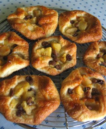 Feuilletés aux pommes et aux raisins sans oeufs