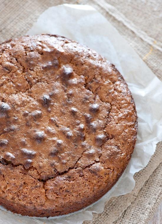 Gâteau aux carottes, raisins et noisettes ©Jules.stonesoup CC BY 2.0