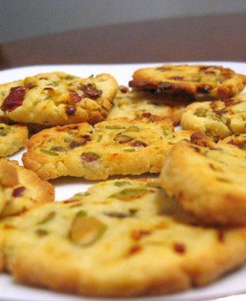 Biscuits salés aux tomates séchées et pistaches sans oeufs