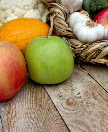 Fruits et légumes crus © lola1960 shutterstock