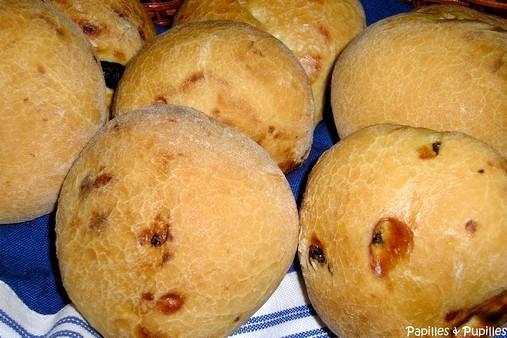 Petits pains aux raisins et romarin