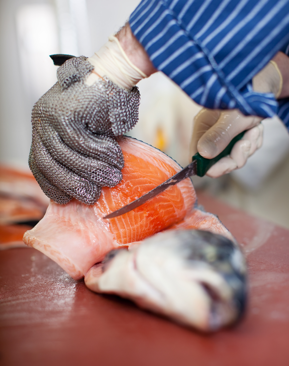 Lever les filets d'un poisson ©stockfour shutterstock