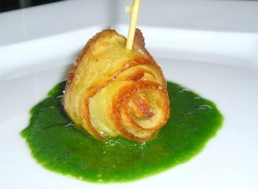 Ruban de pommes de terre croustillant à l'ail et au persil