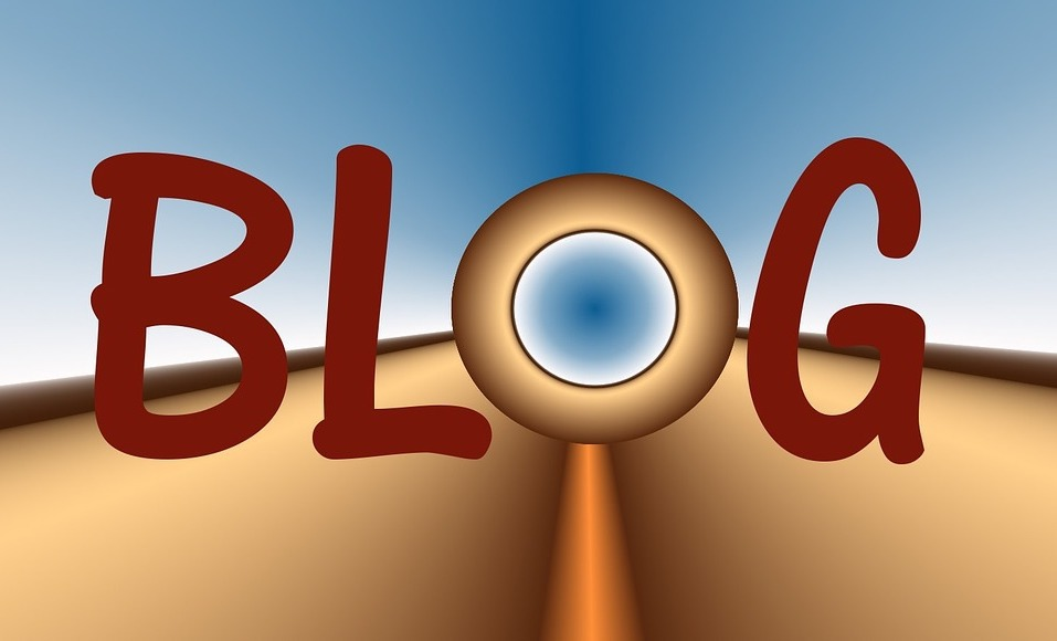 Blog (c) Lenaaera Pixabay public domain CCO