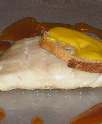 Cabillaud, sauce américaine et tartine de rouille