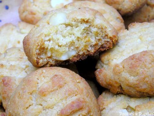 Cookies au miel et aux noix de Macadamia cuits