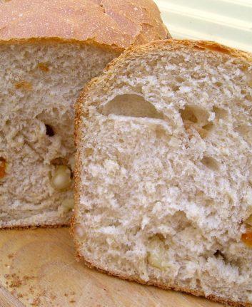 Pain aux abricots et aux noix de Macadamia