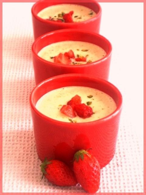 Soupe de fraises à la pistache sans œufs sans gluten possible sans lait