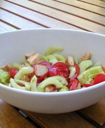 Salade de tomates et concombre, vinaigrette au Melfor