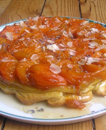 Tarte Tatin abricots amandes
