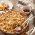 Crumble aux abricots ©AlbinaEkinoglu shutterstock