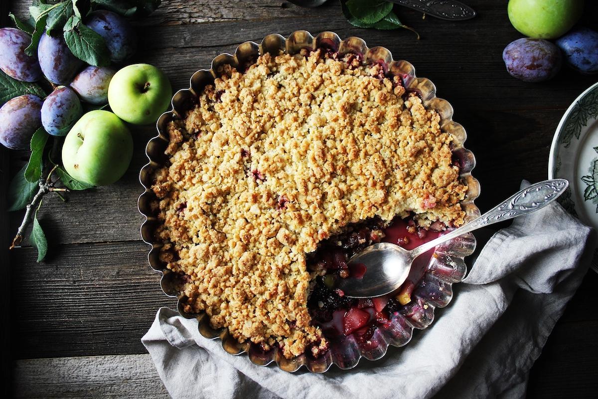Crumble aux prunes ©De Elena Lapshina shutterstock