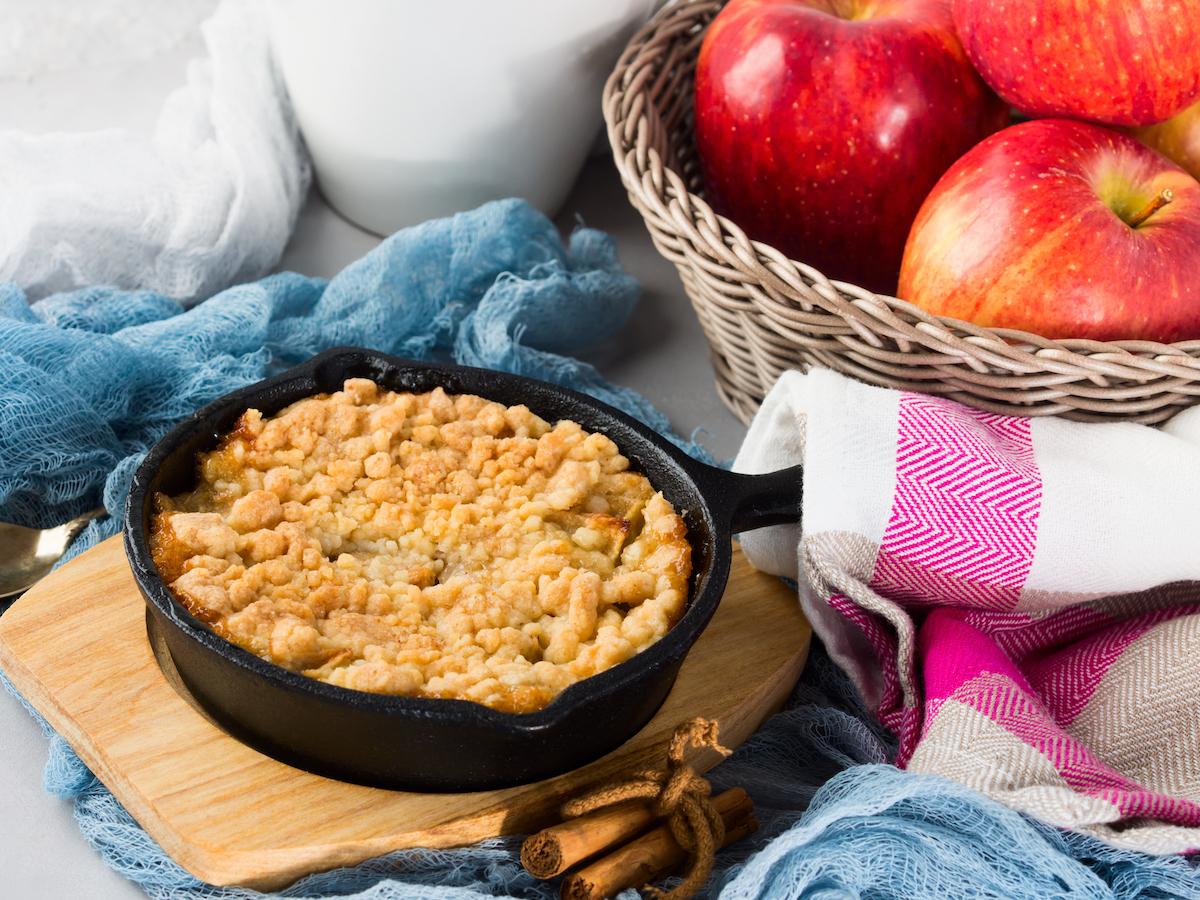 Crumble pommes noisettes © Life morning shutterstock
