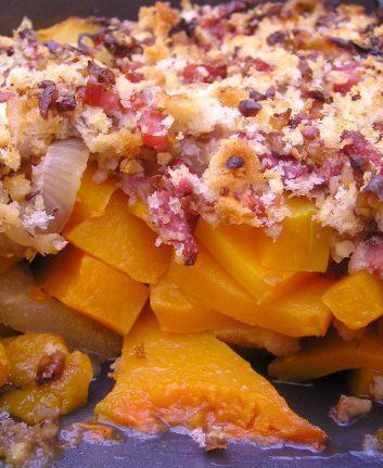 Crumble gratiné de butternut poires et bacon