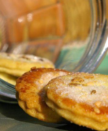 Biscuits à l'huile d'olive, fenouil et sésame, zeste d'orange sans œufs