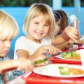 Cantine scolaire © Monkey Business Images shutterstock