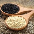 Graines de sésame blanches et noires