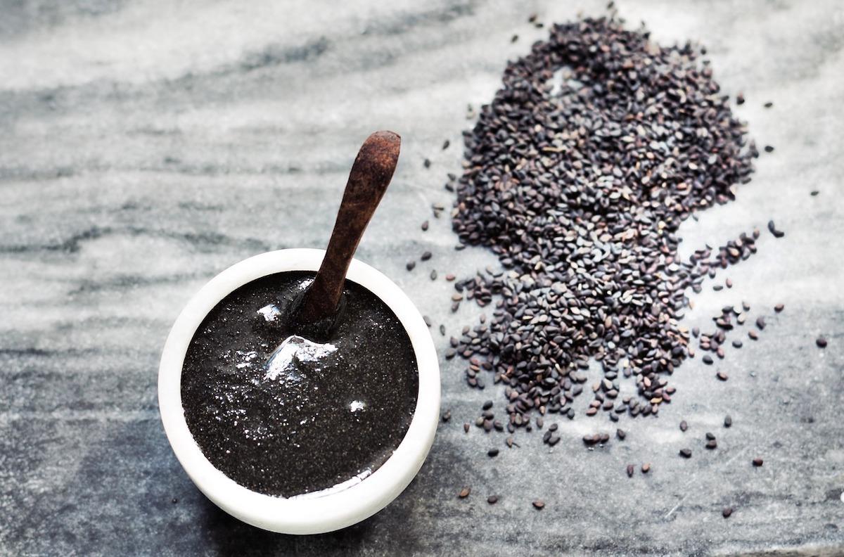 Pâte de Sésame noir (c) malgorzatahaggu