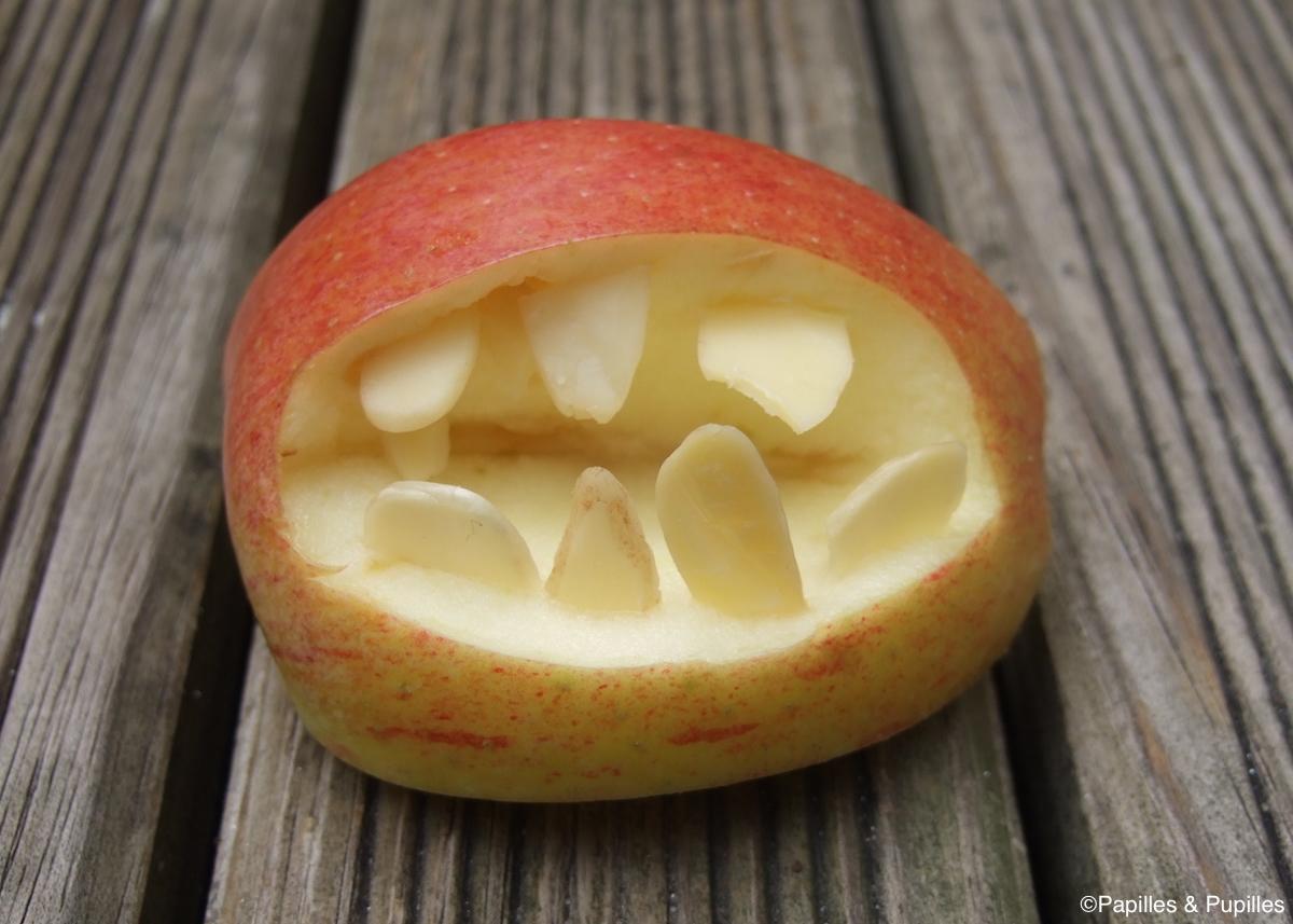 Pomme mordante d'Halloween