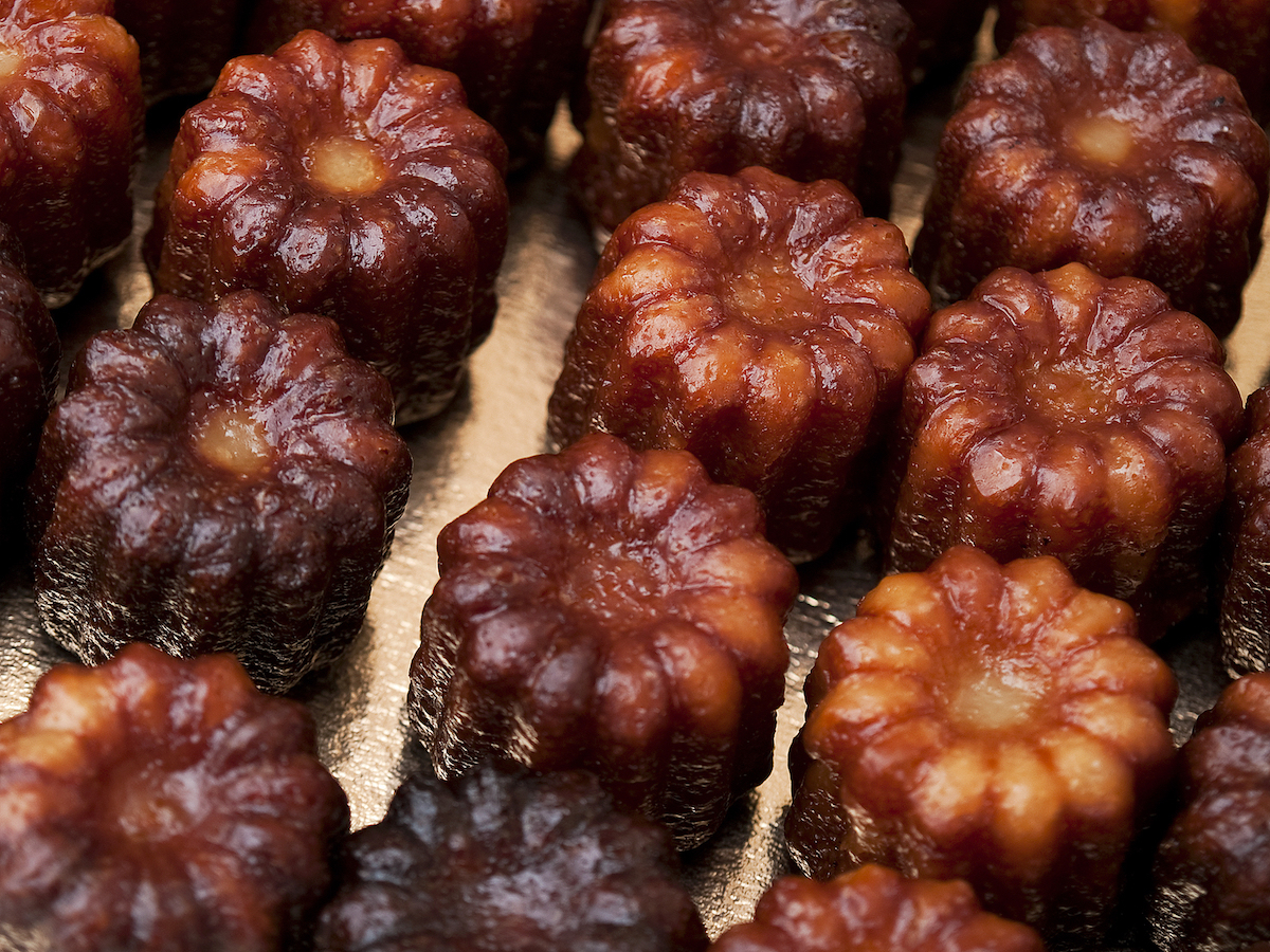 Canelés ©JM Travel Photography shutterstock