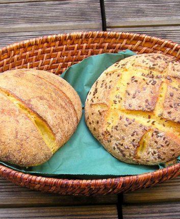 Pain au maïs et graines de lin