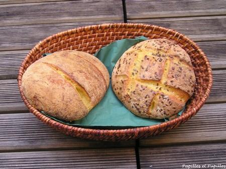 Pain à la farine de maïs et aux graines de lin