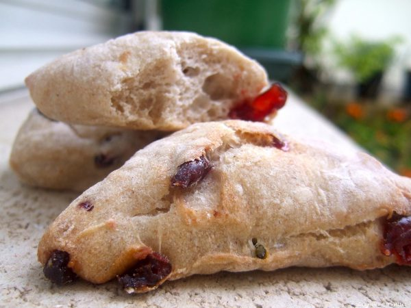 Petits pains aux airelles et aux pistaches