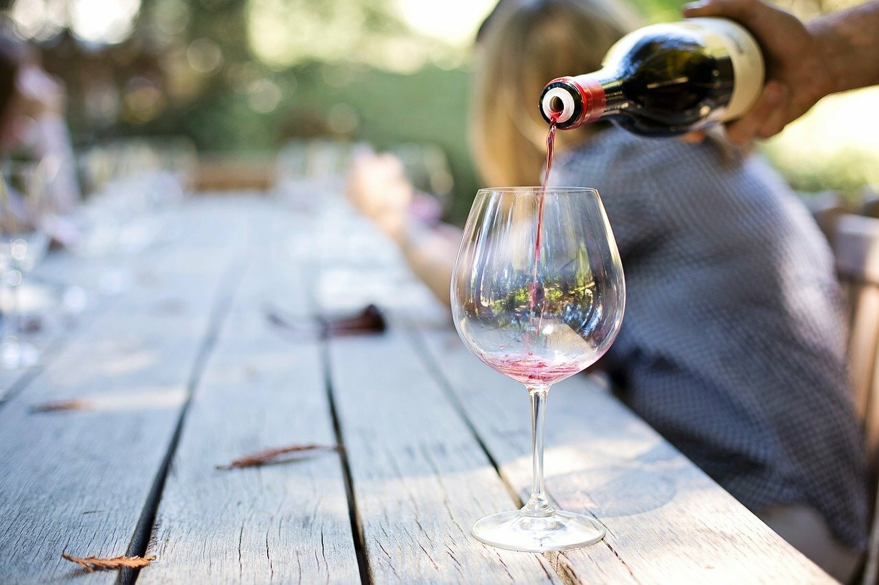 Wine Tasting ©Jill Wellington de Pixabay