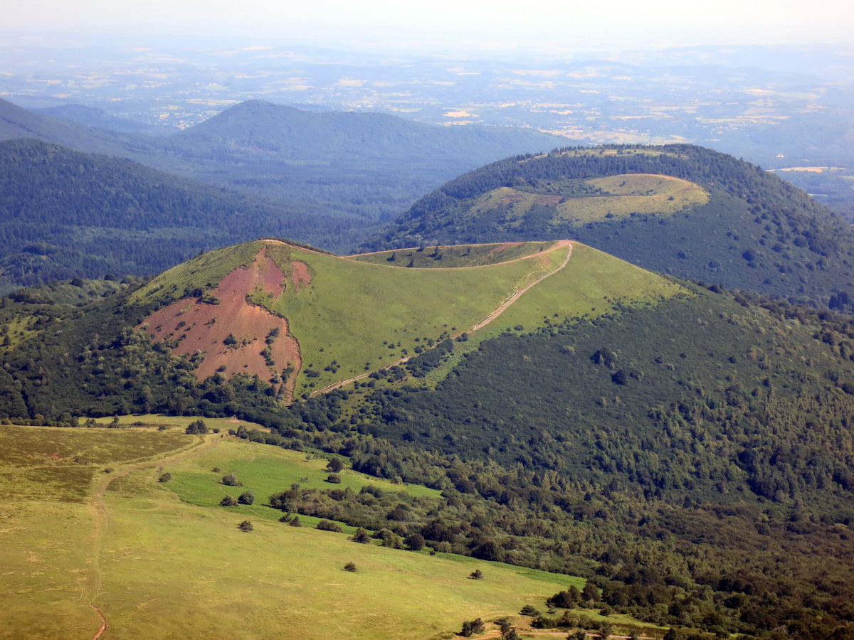 Puy de Dome (c) Konrad Hadener CC BY 2.0 Flickr