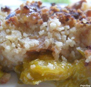 Crumble de prunes aux cacahuètes et au piment de Cayenne