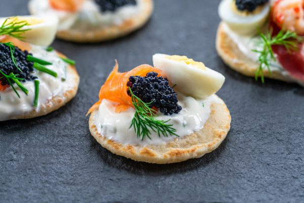 Blinis caviar saumon ©De BBA Photography shutterstock