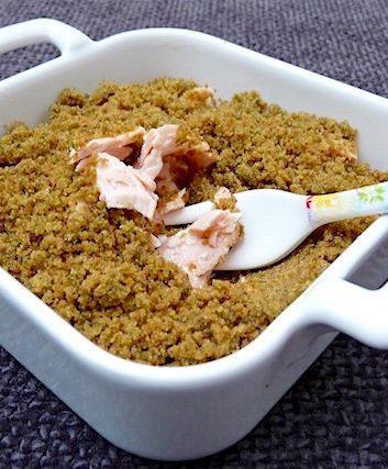 Crumble de saumon à l'aneth et aux petits pains suédois